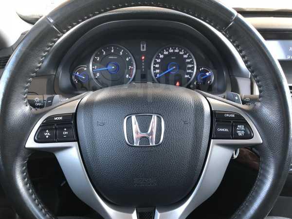 Honda Crosstour, 2011 год, 900 000 руб.