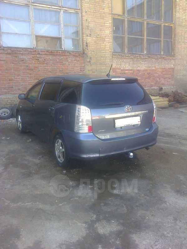 Toyota Wish, 2004 год, 375 000 руб.