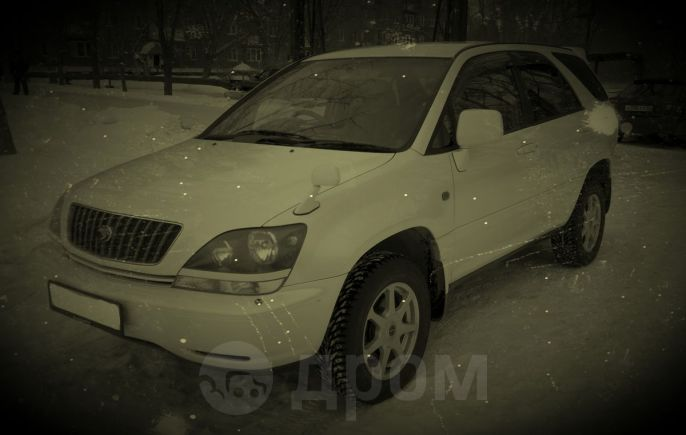 Toyota Harrier, 2000 год, 300 000 руб.