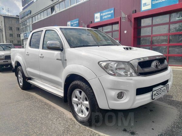 Toyota Hilux Pick Up, 2011 год, 1 199 000 руб.