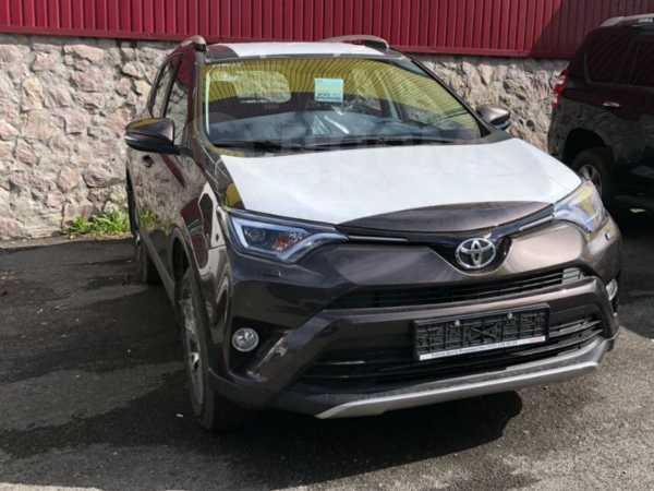 Toyota RAV4, 2018 год, 2 085 000 руб.