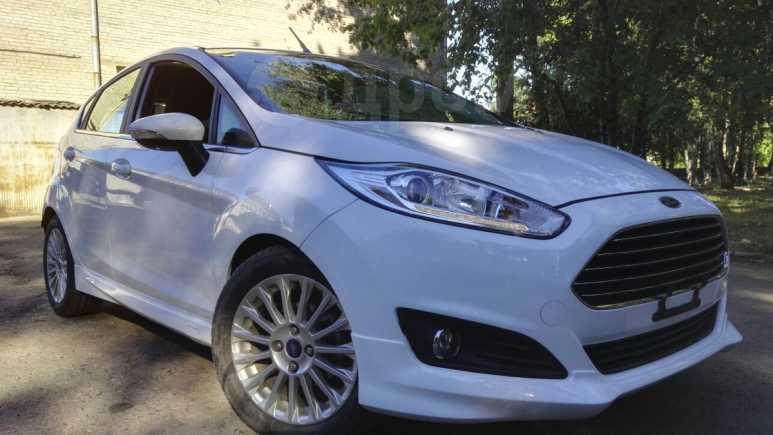 Ford Fiesta, 2015 год, 700 000 руб.