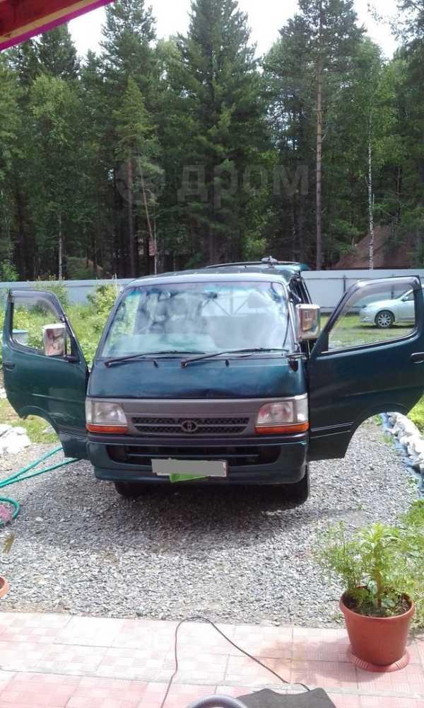 Toyota Hiace, 2001 год, 350 000 руб.
