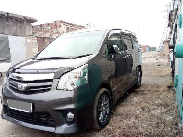 Toyota Noah, 2013 год, 1 070 000 руб.