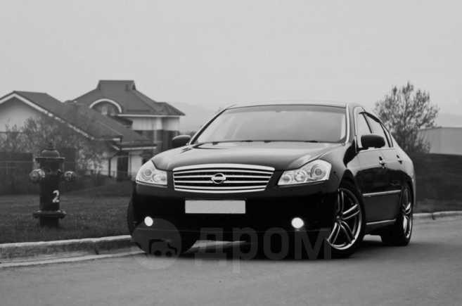 Nissan Fuga, 2004 год, 850 000 руб.