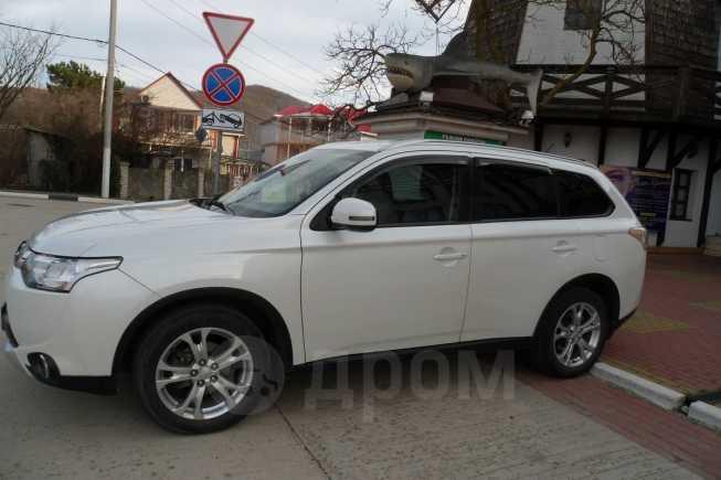 Mitsubishi Outlander, 2014 год, 1 159 000 руб.