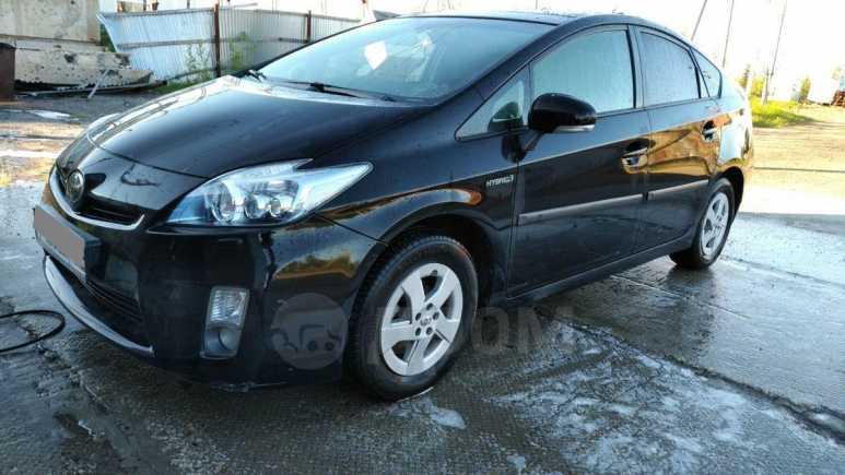 Toyota Prius, 2011 год, 850 000 руб.