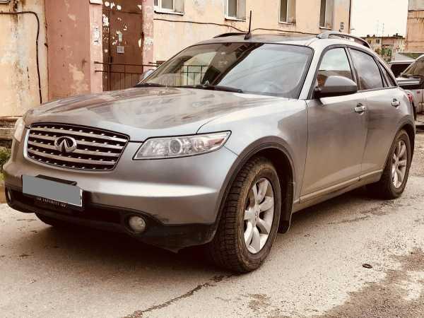 Infiniti FX35, 2005 год, 630 000 руб.