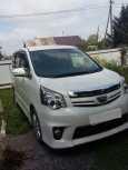 Toyota Noah, 2010 год, 920 000 руб.