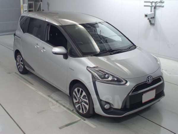 Toyota Sienta, 2015 год, 892 000 руб.