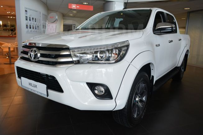 Toyota Hilux Pick Up, 2018 год, 2 715 000 руб.