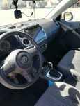 Volkswagen Tiguan, 2011 год, 880 000 руб.