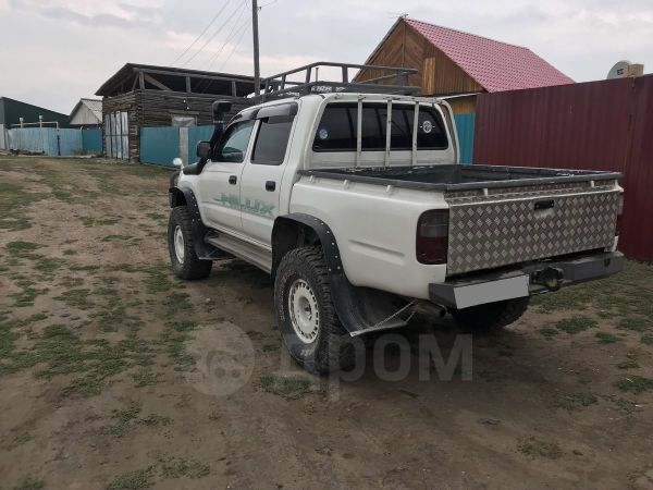 Toyota Hilux Pick Up, 2003 год, 1 200 000 руб.