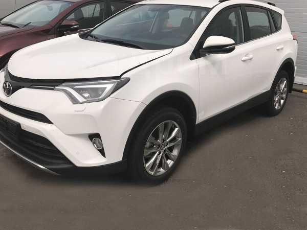 Toyota RAV4, 2018 год, 2 076 000 руб.