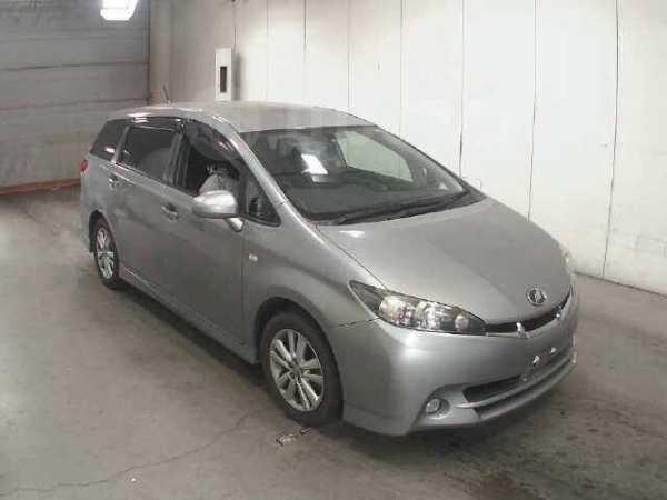 Toyota Wish, 2010 год, 855 000 руб.