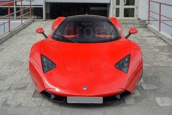 В ходе реставрационных работ машина получила красный цвет кузова и новые детали.