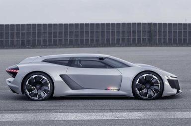 Audi разработала суперкар с кузовом типа «трехдверный универсал»