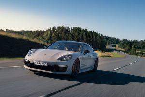 Гибрид на максималках. Тестируем 680-сильный Porsche Panamera Turbo S E-Hybrid