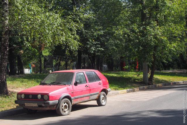 32. Одинокий VW. Поло или Гольф или что?