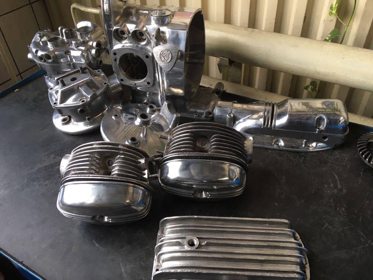 Весь двигатель и алюминиевые части были отполированы