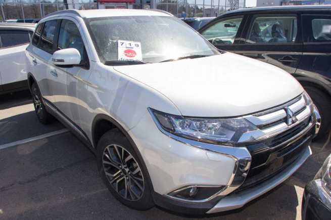 Mitsubishi Outlander, 2018 год, 2 139 990 руб.