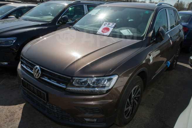 Volkswagen Tiguan, 2018 год, 1 990 000 руб.