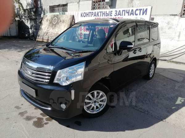 Toyota Noah, 2013 год, 1 115 000 руб.