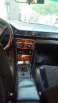 Mercedes-Benz E-Class, 1988 год, 200 000 руб.
