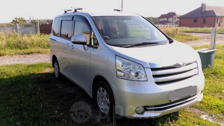 Toyota Noah, 2008 год, 788 000 руб.