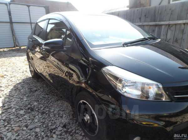 Toyota Vitz, 2012 год, 490 000 руб.