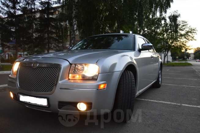 Chrysler 300C, 2010 год, 735 000 руб.