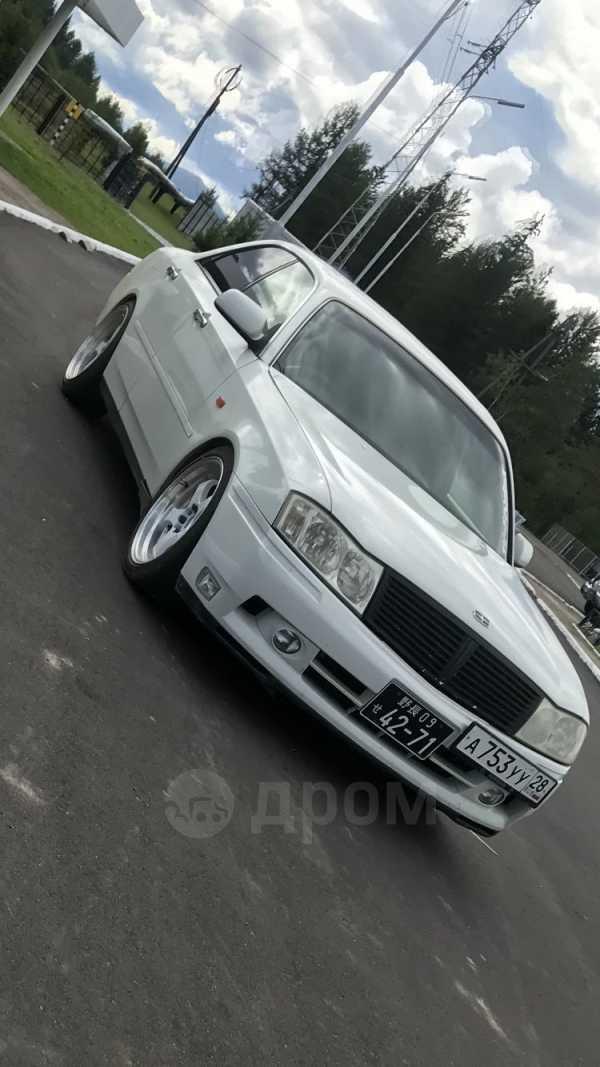 Nissan Gloria, 2001 год, 275 000 руб.
