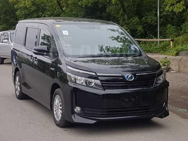 Toyota Voxy, 2015 год, 1 335 000 руб.