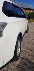 Mitsubishi Outlander, 2014 год, 960 000 руб.