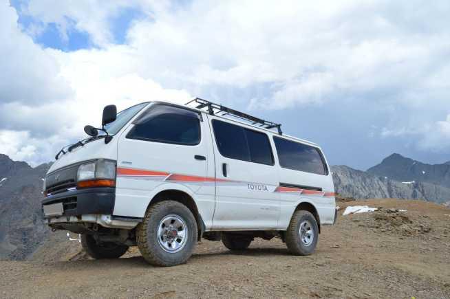 Toyota Hiace, 1997 год, 380 000 руб.