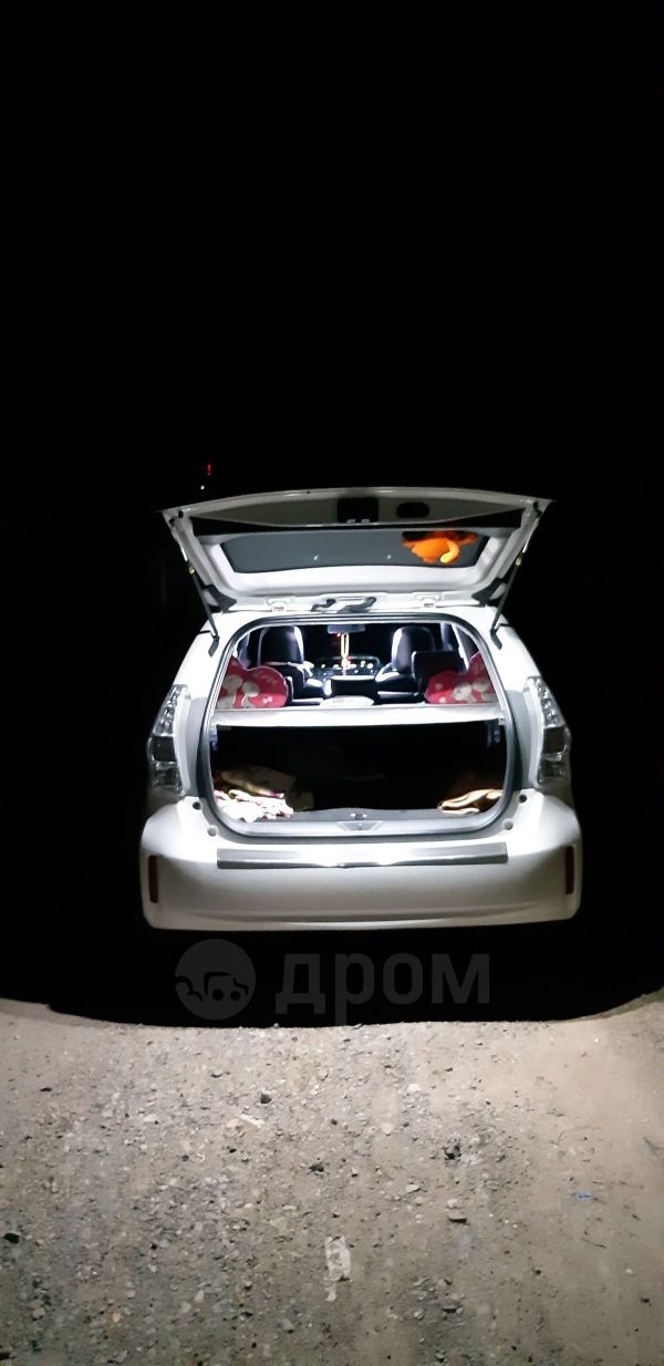 Toyota Prius a, 2012 год, 1 000 000 руб.