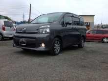 Владивосток Toyota Voxy 2011