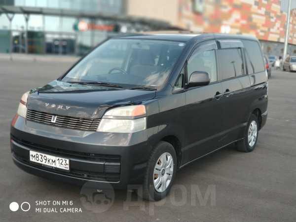 Toyota Voxy, 2003 год, 475 000 руб.