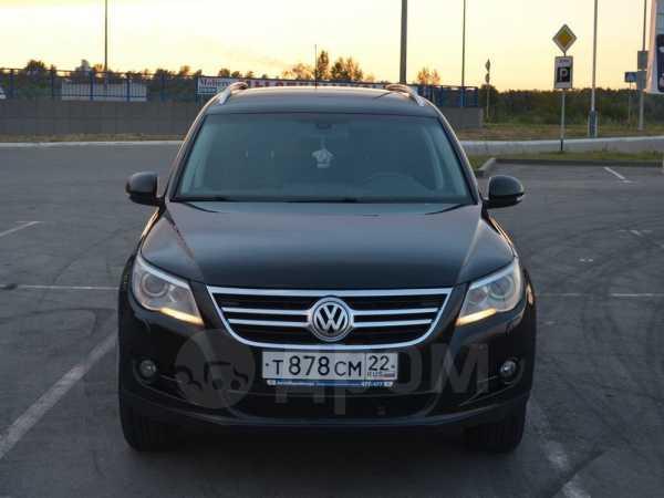 Volkswagen Tiguan, 2010 год, 729 000 руб.