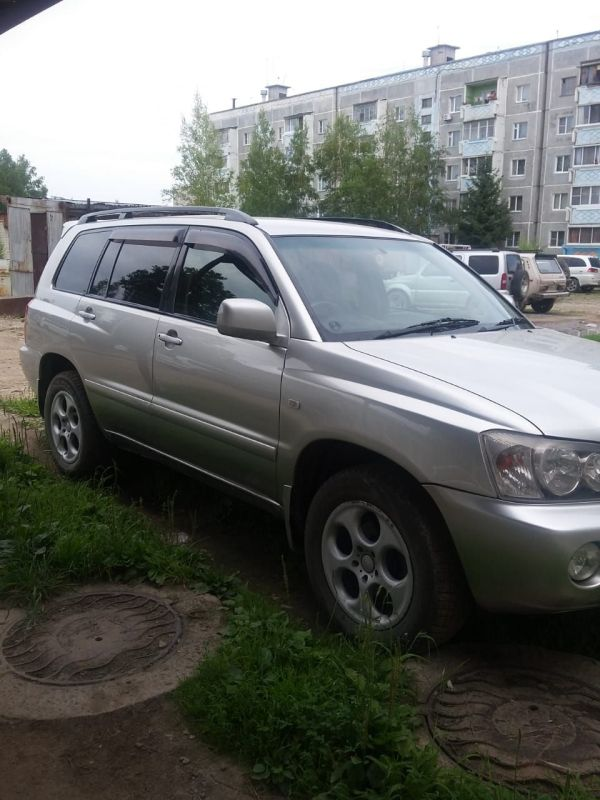 Toyota Kluger V, 2001 год, 500 000 руб.