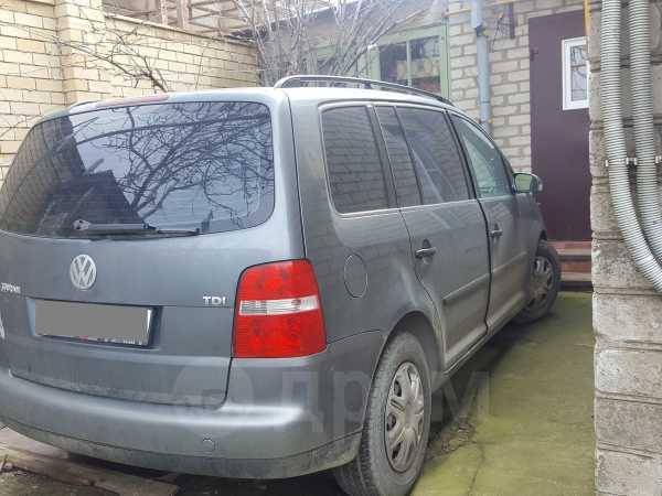 Volkswagen Touran, 2004 год, 325 000 руб.