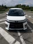 Toyota Voxy, 2014 год, 1 395 000 руб.