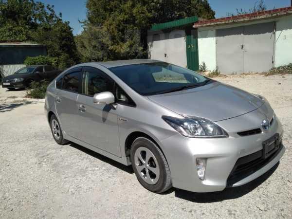 Toyota Prius, 2012 год, 840 000 руб.