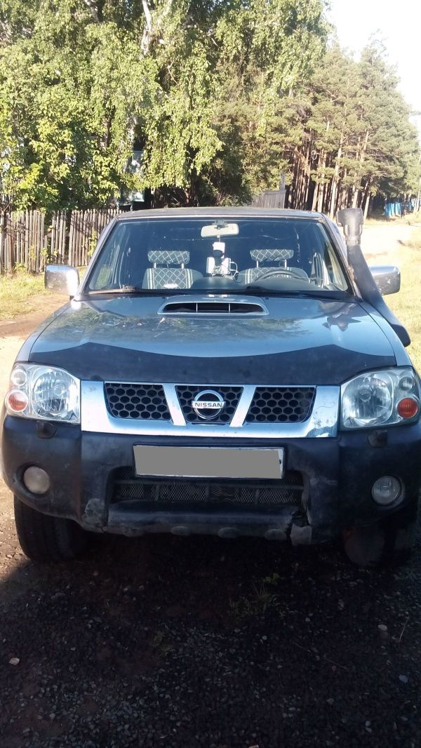 Nissan NP300, 2010 год, 520 000 руб.