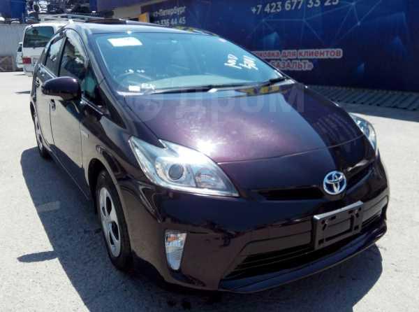 Toyota Prius, 2013 год, 890 000 руб.