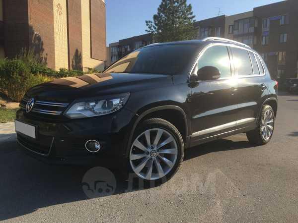 Volkswagen Tiguan, 2012 год, 955 000 руб.