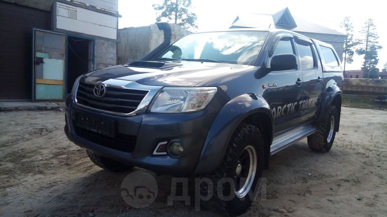 Toyota Hilux Pick Up, 2013 год, 1 820 000 руб.