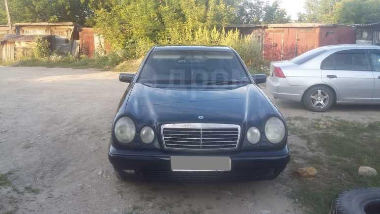 Mercedes-Benz E-Class, 1998 год, 217 000 руб.