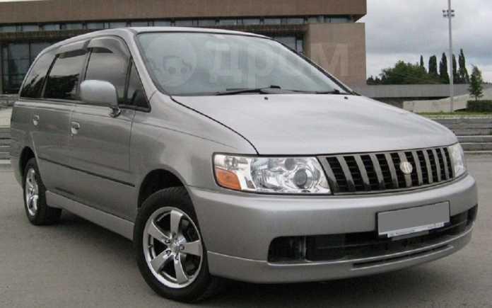 Nissan Bassara, 2001 год, 580 000 руб.
