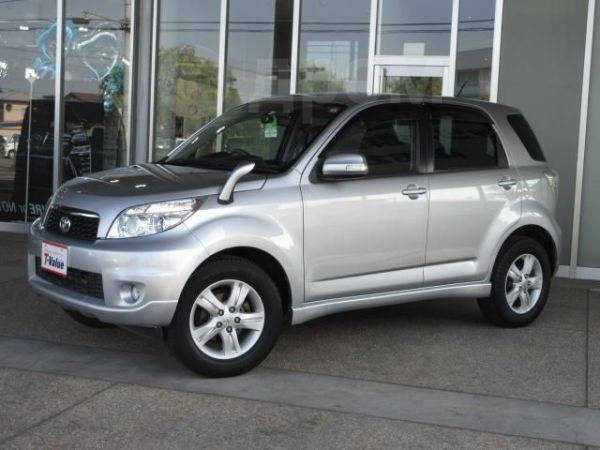 Toyota Rush, 2014 год, 700 000 руб.